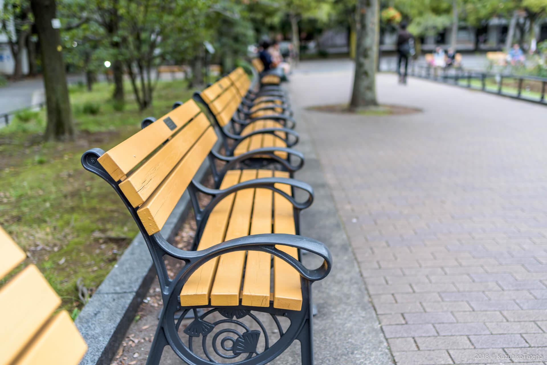 公園ベンチ